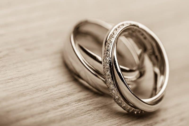 Những yếu tố ảnh hưởng đến bảng báo giá nhẫn cưới