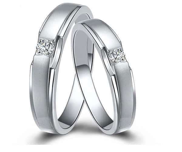 Mẫu nhẫn cưới đính kim cương