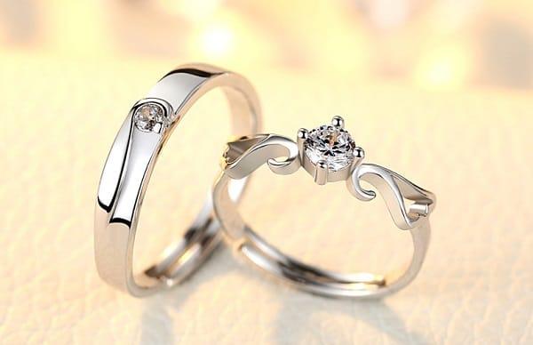Mẫu nhẫn vàng trắng độc đáo