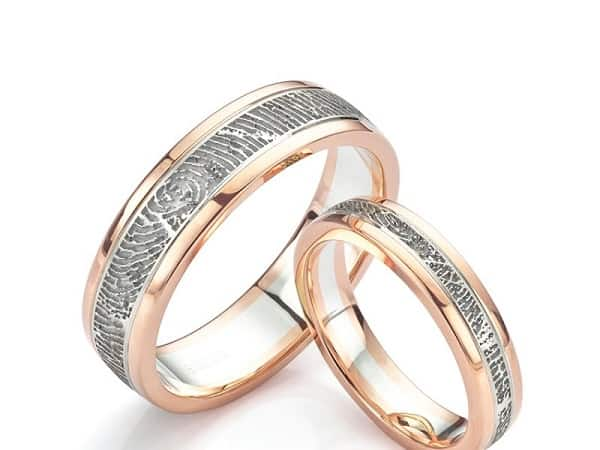 Cặp nhẫn cưới in vân tay
