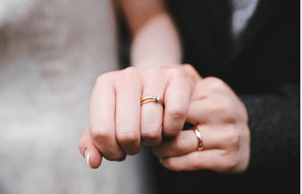 Tìm hiểu kỹ những kiểu nhẫn cưới phù hợp