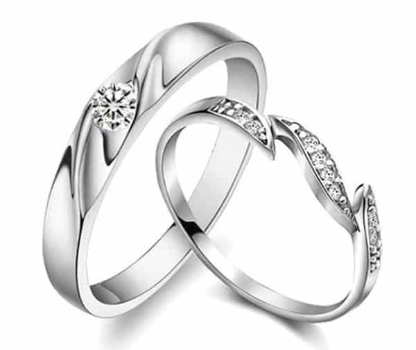 Mẫu nhẫn cưới hoa lá