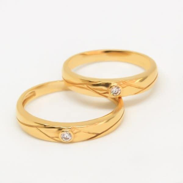Tìm hiểu kỹ về chất liệu, kiểu dáng nhẫn cưới trước khi mua