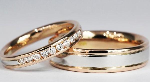 Sự kết hợp tinh tế giữa vàng trắng và vàng vàng