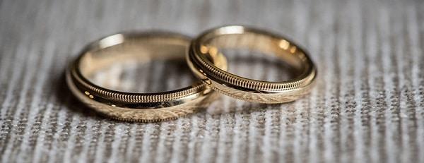 Nhẫn cưới thiết kế đơn giản tinh tế