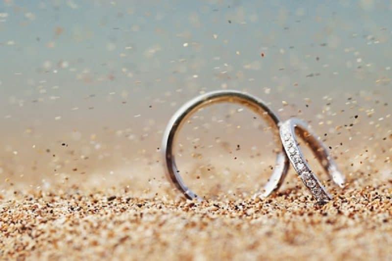 Bảo quản cặp nhẫn cưới đính kim cương như mới