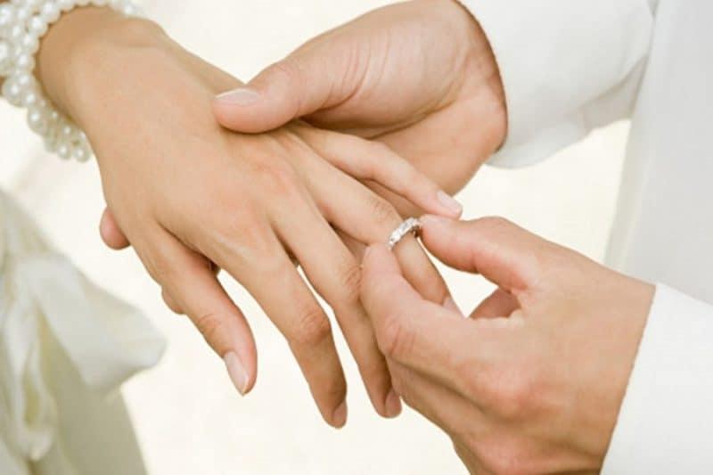 Kinh nghiệm đặt nhẫn cưới vừa đẹp vừa tiết kiệm