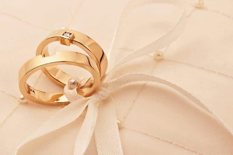 Nhẫn đôi vàng tây giá bao nhiêu hiện nay?
