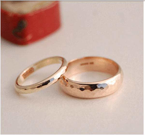 Cặp nhẫn cưới bề mặt vát cạnh hình học đặc biệt