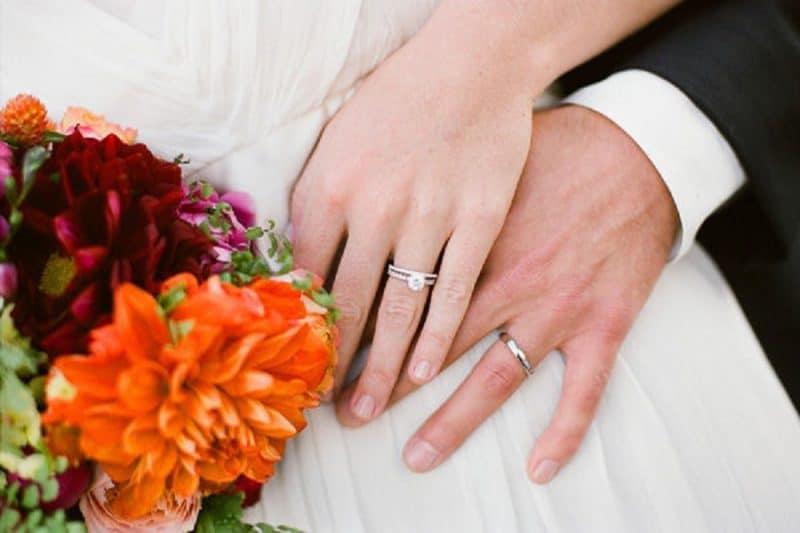 Mách nhỏ cách mua nhẫn cưới giá rẻ hấp dẫn