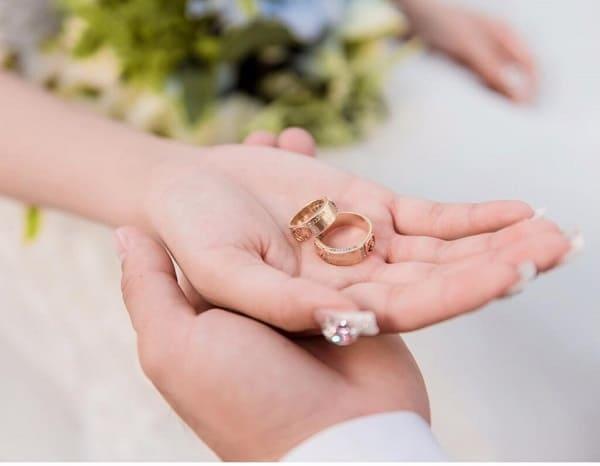 Hãy đảm bảo nhẫn cưới sạch sẽ