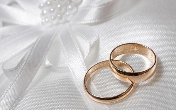 Tìm hiểu thị trường trang sức trước khi mua nhẫn cưới giá rẻ