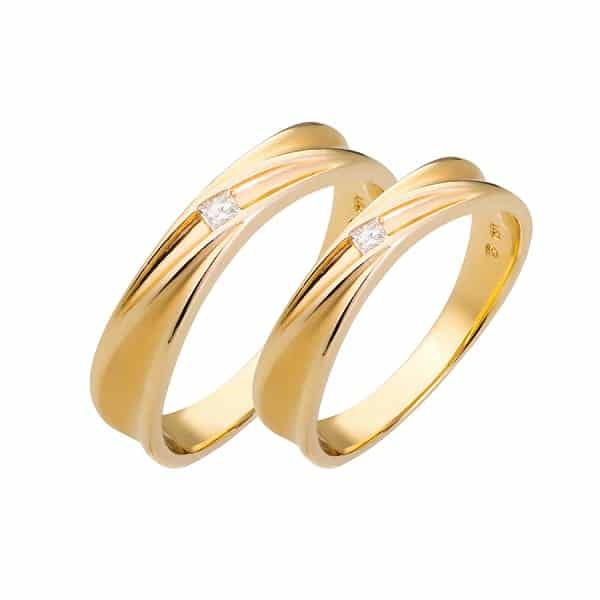 Cặp nhẫn cưới đính đá vuông họa tiết