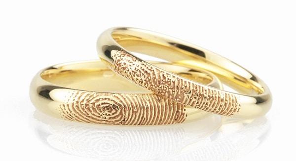 Giá nhẫn cưới đẹp khắc vân tay