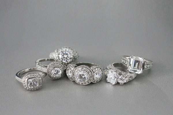 Bảo quản nhẫn cưới mỗi ngày