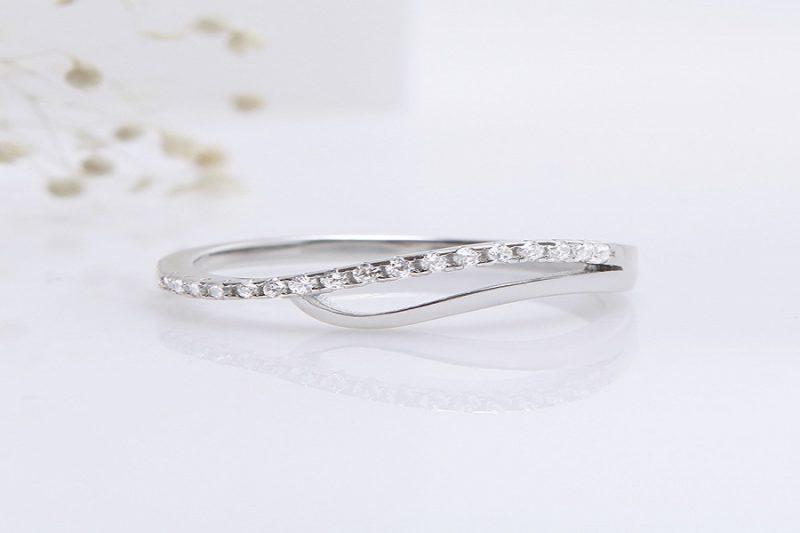 Cách chọn nhẫn vàng trắng 18k đẹp