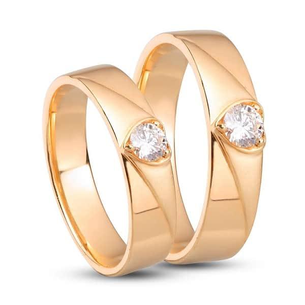Cặp nhẫn cưới vàng 18k đá hình trái tim