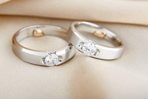 Giá nhẫn cưới đẹp vàng trắng