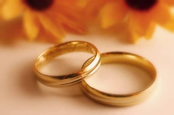 Nhẫn vàng tròn yên tâm khi đeo