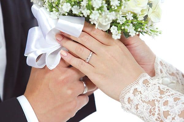 Tư vấn mua nhẫn cưới bạch kim không chọn khổ quá lớn