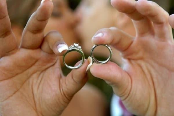 Không chọn mẫu nhẫn cưới chênh lệch quá về hình thức