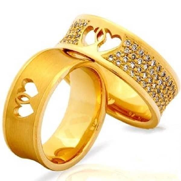 Kiểu nhẫn cưới hai trái tim lồng vào nhau