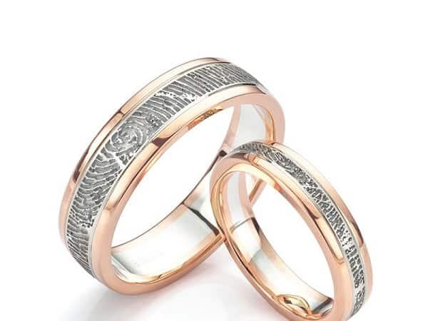 Kiểu nhẫn cưới chạm khắc vân tay