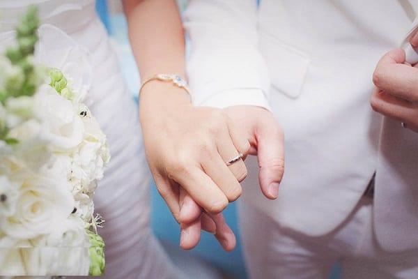 Nhẫn cưới thời trang tạo cảm giác thích thú