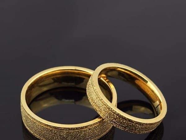 Mẫu nhẫn cưới trơn thuần túy