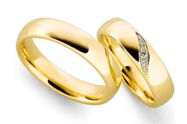 Mẫu nhẫn cưới đính đá nhỏ một trong những kiểu nhẫn cưới đơn giản mà đẹp