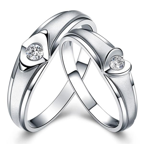 Lựa chọn những kiểu nhẫn đôi không dễ bị lỗi thời