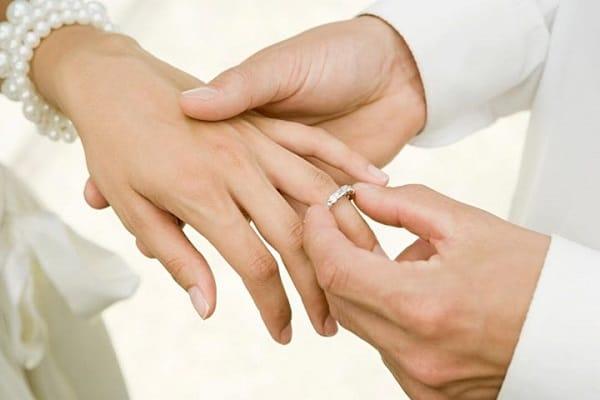 Sự cần thiết của sự tiện dụng khi đeo nhẫn cưới