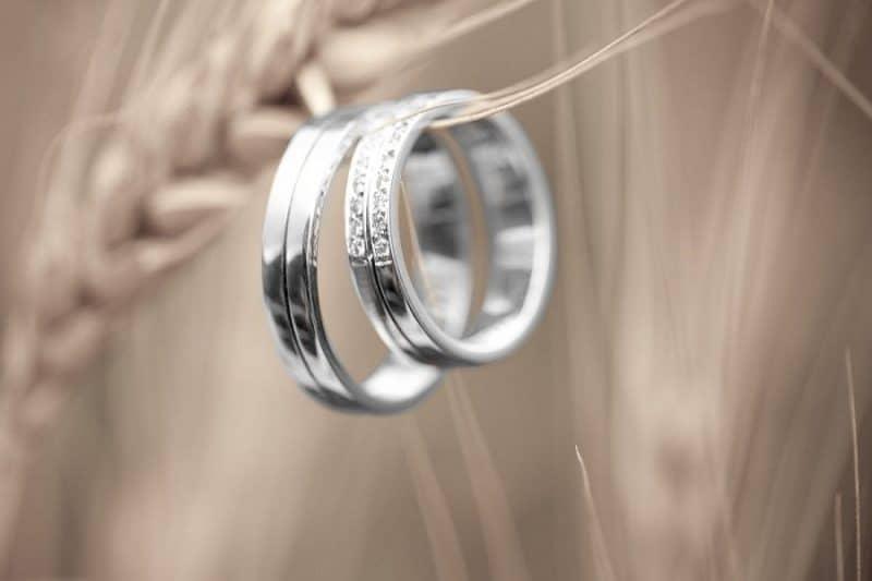 Bật mí những điều kiêng kỵ khi đeo nhẫn cặp cưới