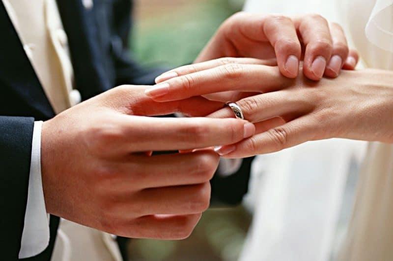 Những mẫu nhẫn cưới kiểu mới ấn tượng độc đáo