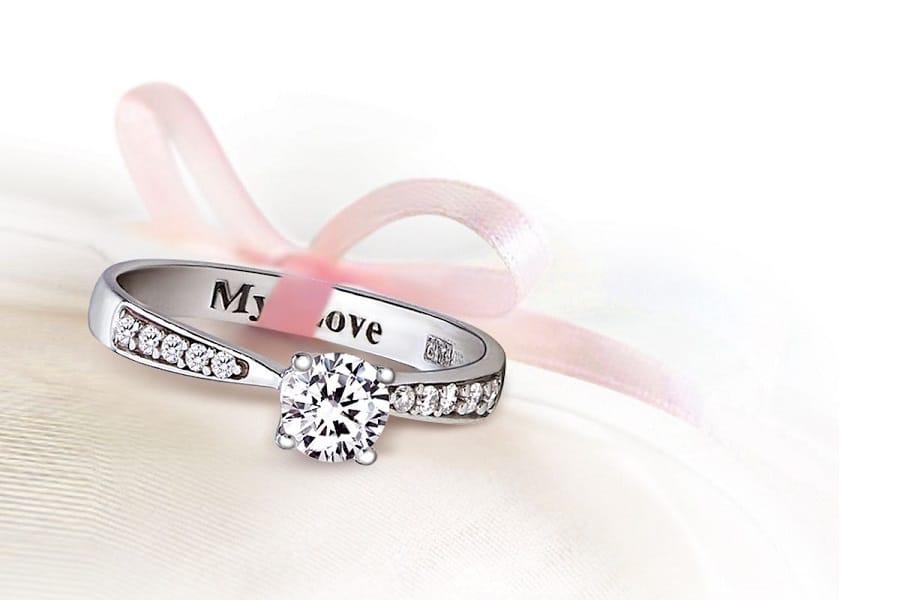 nhẫn cưới lạ