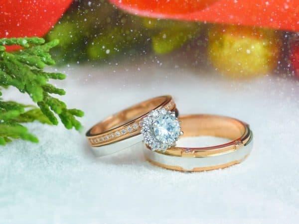 Cất giữ nhẫn cưới rẻ lúc cần thiết