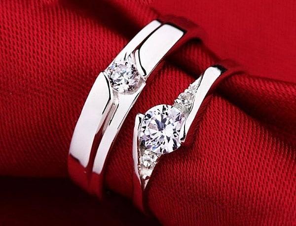 Nhẫn cưới đính kim cương sang trọng