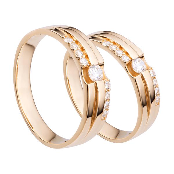 Nhẫn cưới vàng trơn đính đá tạo điểm nhấn cho sản phẩm cũng như tăng giá trị thẩm mỹ