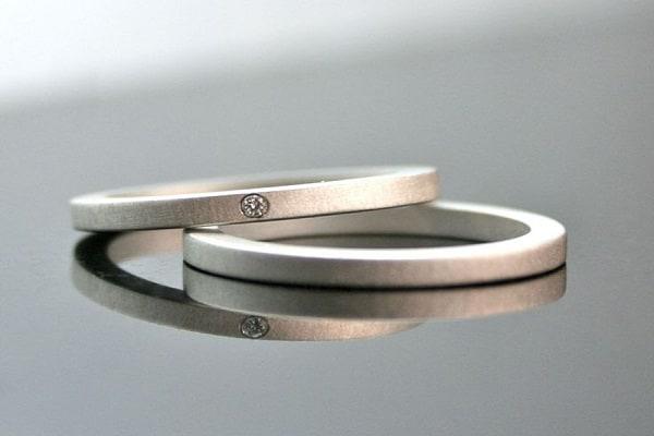Những mẫu nhẫn cưới đơn giản đính 1 viên đá