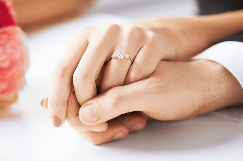 Nhẫn cưới và giá cả liệu có quyết định hạnh phúc hôn nhân