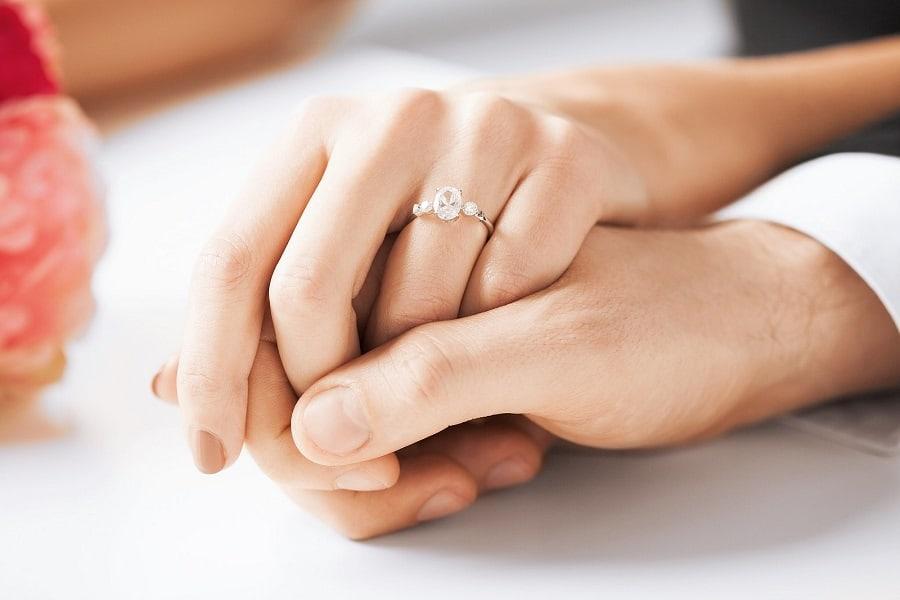 nhẫn cưới và giá cả