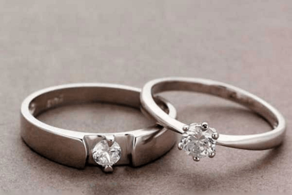 Mẫu nhẫn cưới đính 1 viên đá