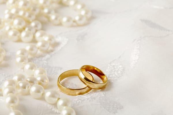 Tìm mẫu nhẫn cưới càng sớm càng tốt