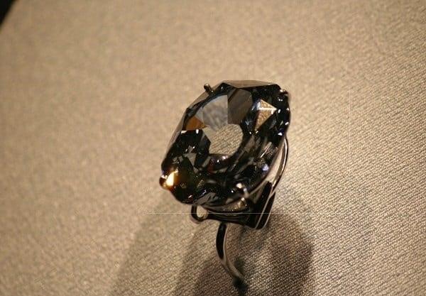 Nhẫn cưới Wittelsbach-Graff Diamond