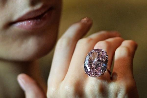 Nhẫn Pink Star Diamond một trong những chiếc nhẫn cưới đẹp nhất thế giới