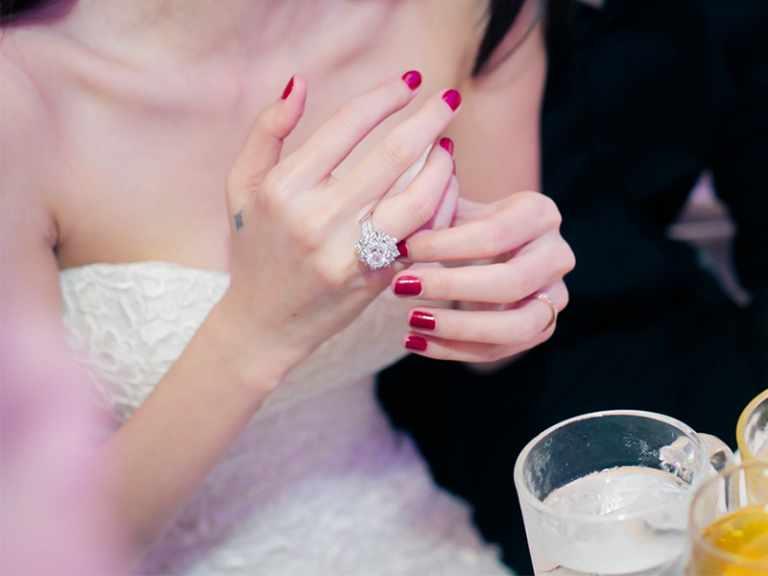 Mẫu nhẫn cưới đẹp của Thủy Tiên và Công Vinh