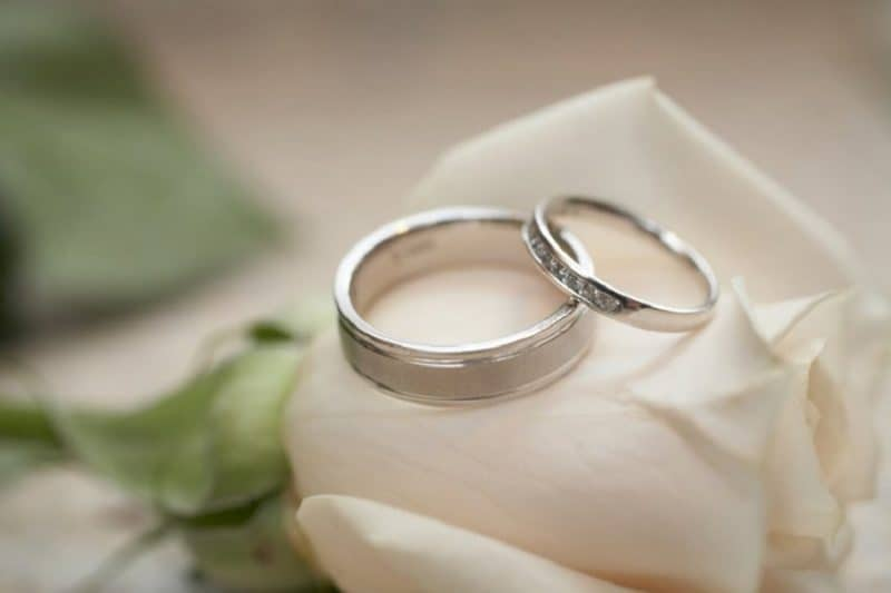 Những mẫu nhẫn cưới đẹp vàng trắng có ưu điểm gì?