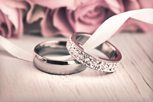 Xem mẫu nhẫn cưới vàng trắng bản to